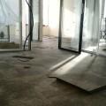 Настил ковровой плитки. Офис.