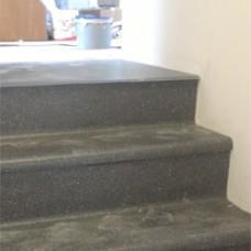 Монтаж линолеума на лестничные ступени. Деревянное основание.