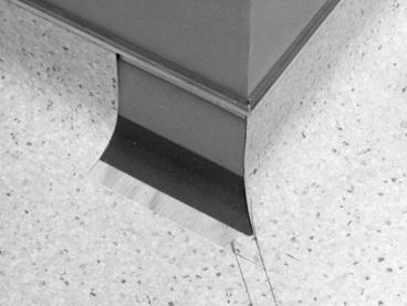 Методика выполнения ПРЯМОГО шва наружного угла при заведении напольного покрытия на стену